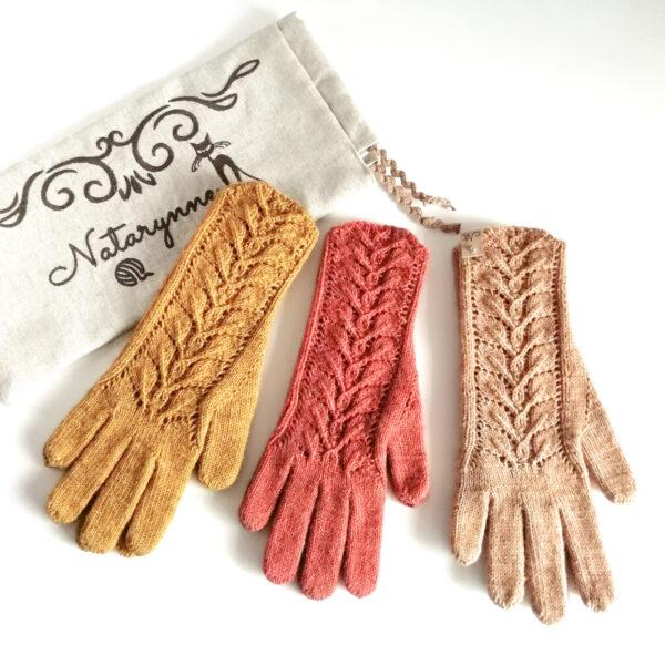 Перчатки ажурные вязаные спицами