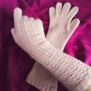 кашемировые перчатки вязаные спицами